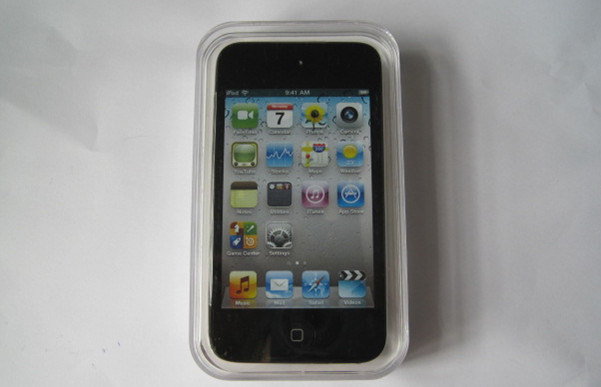 Brand NEW Apple iPod touch 4th Generation Black (8 GB)