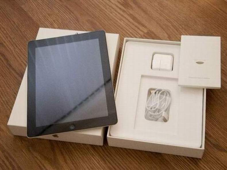 Authentic Apple iPad 3rd Generation 16GB, Wi-Fi + 4G (FACTORY Un